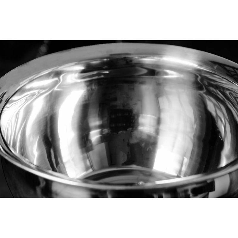 Фотография Стойка с чашей для магнезии 1