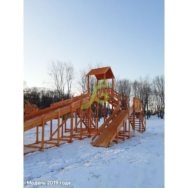 Фотография Зимняя деревянная горка Snow Fox 12 м с двумя скатами (две лестницы) 3