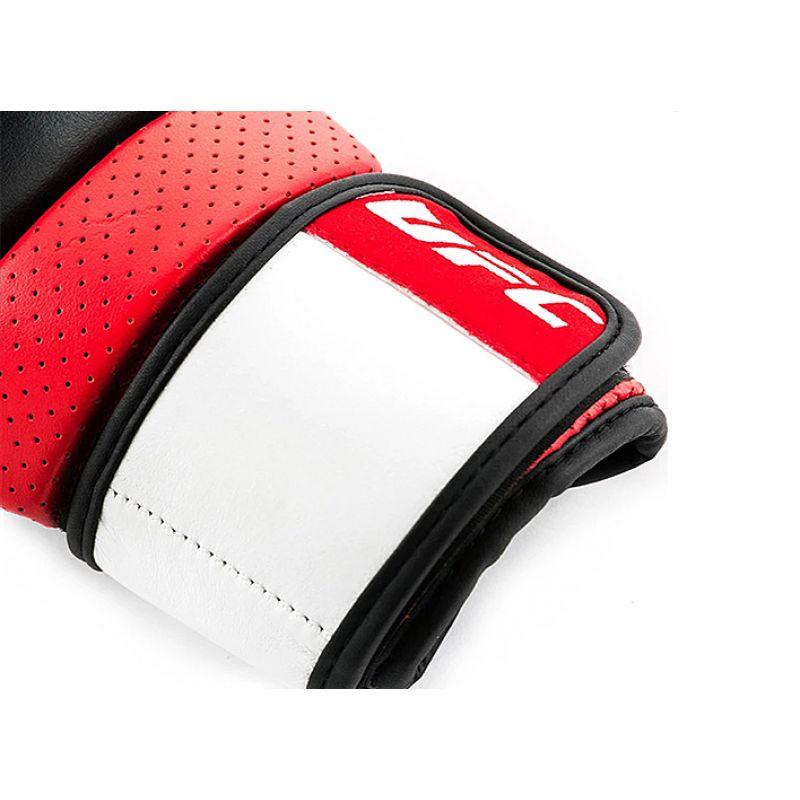 Фотография UFC PRO Перчатки для спарринга 3