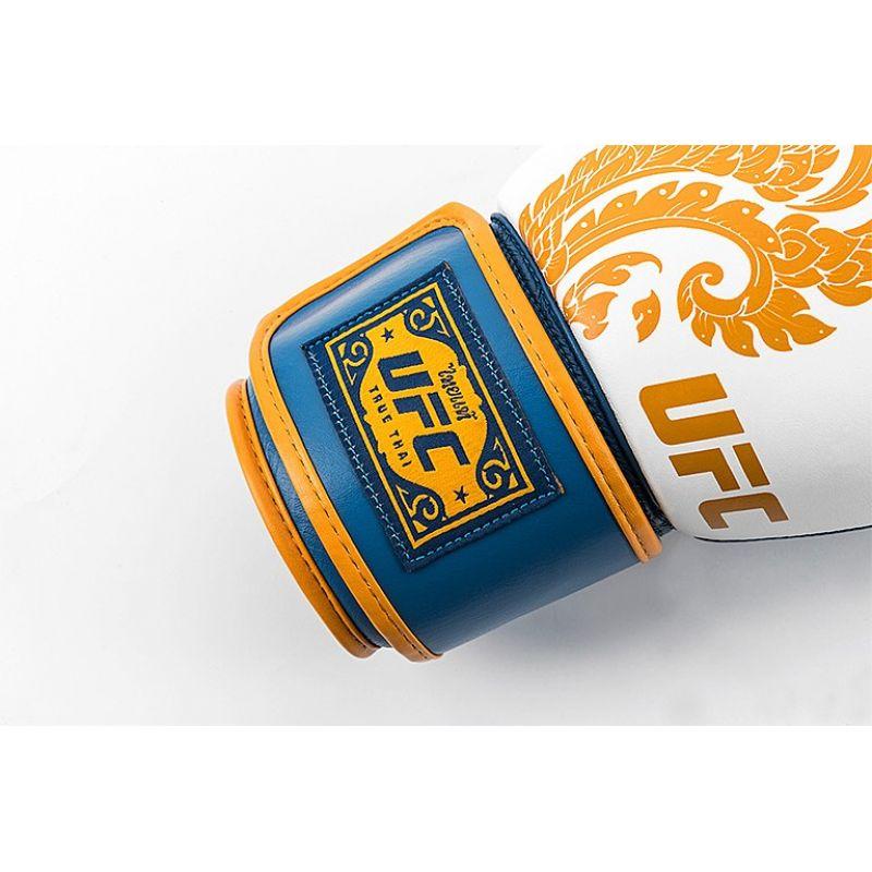 Фотография UFC Premium True Thai Перчатки для бокса 19