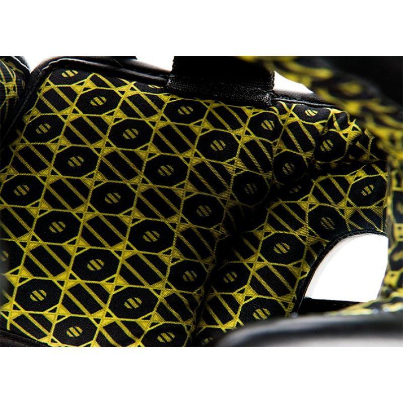 Фотография UFC Шлем с защитой щек на шнуровке 5