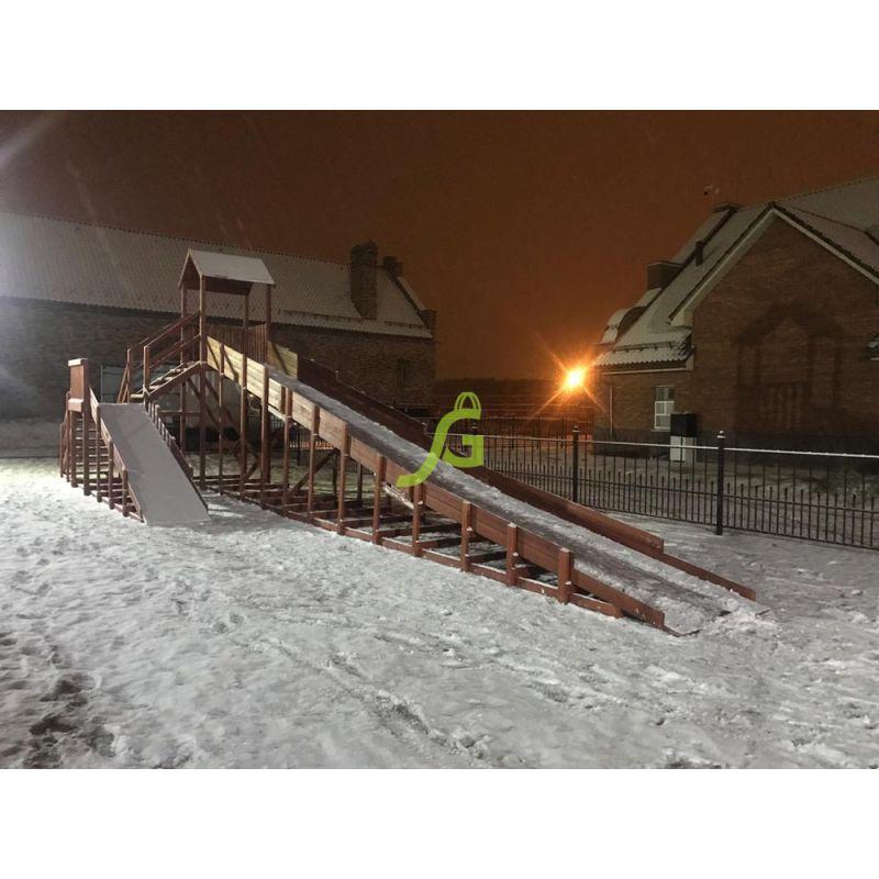 Фотография Зимняя деревянная горка Snow Fox 12 м с двумя скатами 1